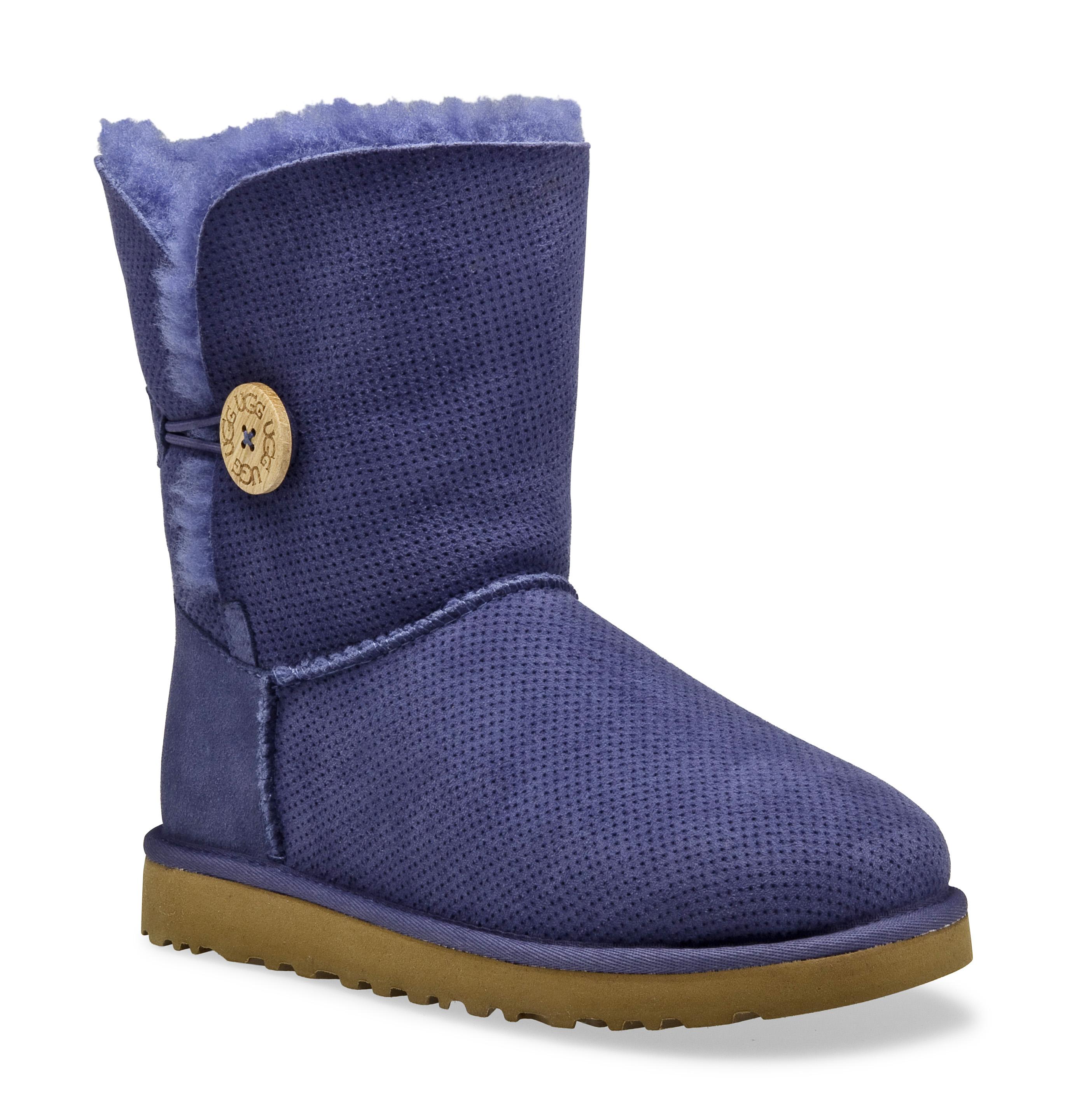 http://www.danielfootwear.com/blog/wp-content/uploads/2011/03/3056_baileybutton-perf_mdb.jpg