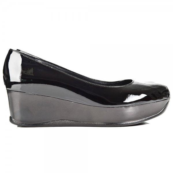 Womens Macbeth Newman Skate Shoe, Grey/White/Pink, at Journe
