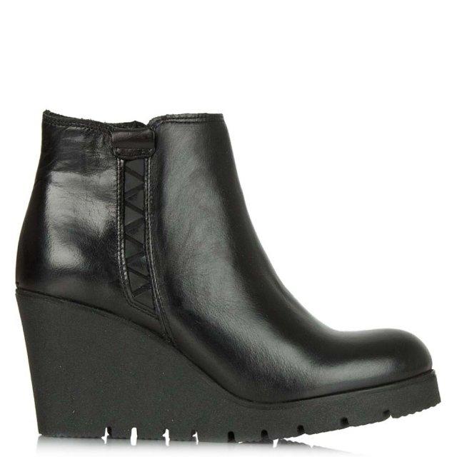 http://www.danielfootwear.com/images/products/medium/1444229415-49032500.jpg