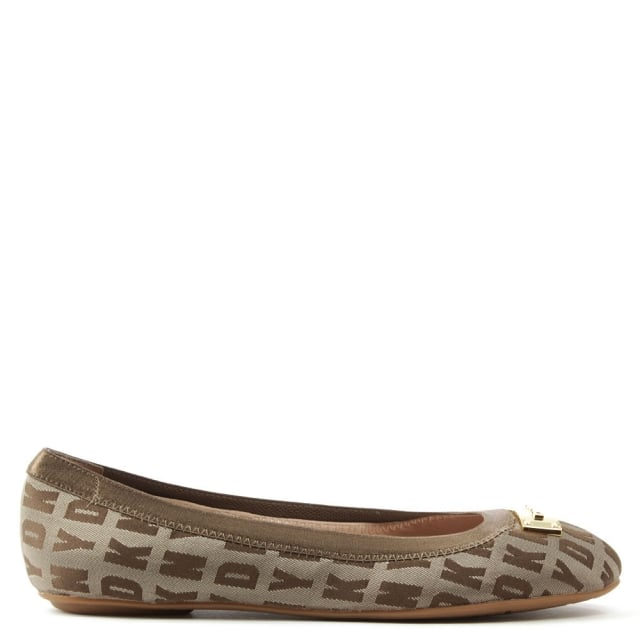 http://www.danielfootwear.com/images/products/medium/1465551775-39261100.jpg