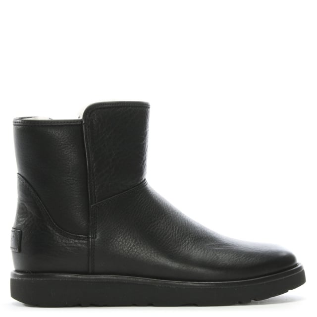 UGG Abree Mini Nero Leather Ankle Boots d262633cc