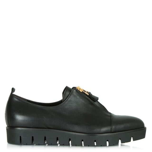 Black Leather Orma Tracked Sole Pointed Toe Shoe