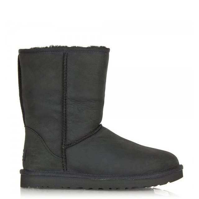 Look good this winter with UGG Classic Boots from DICK'S Sporting Goods. Shop all UGG Classic boots for women in tan, black, brown and more colors.