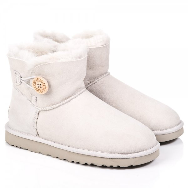 womens white ugg boots