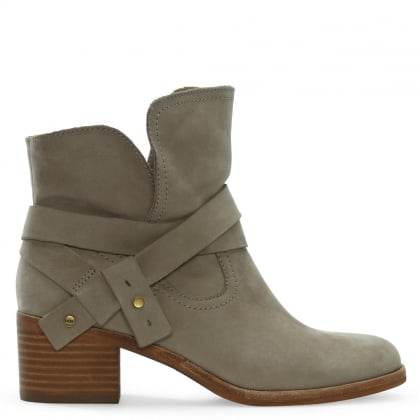 Elora Sahara Leather Stacked Heel Ankle Boots