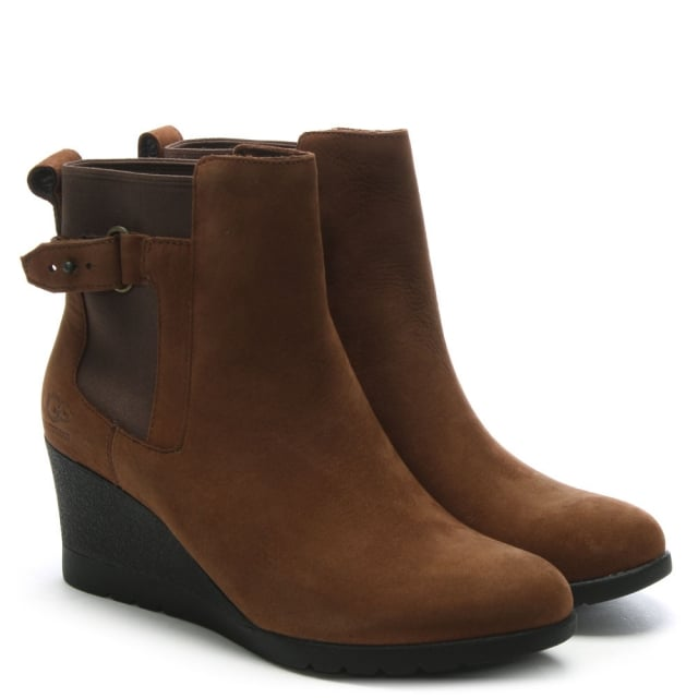 c266678618c7 UGG Indra Stout Leather Wedge Chelsea Boots
