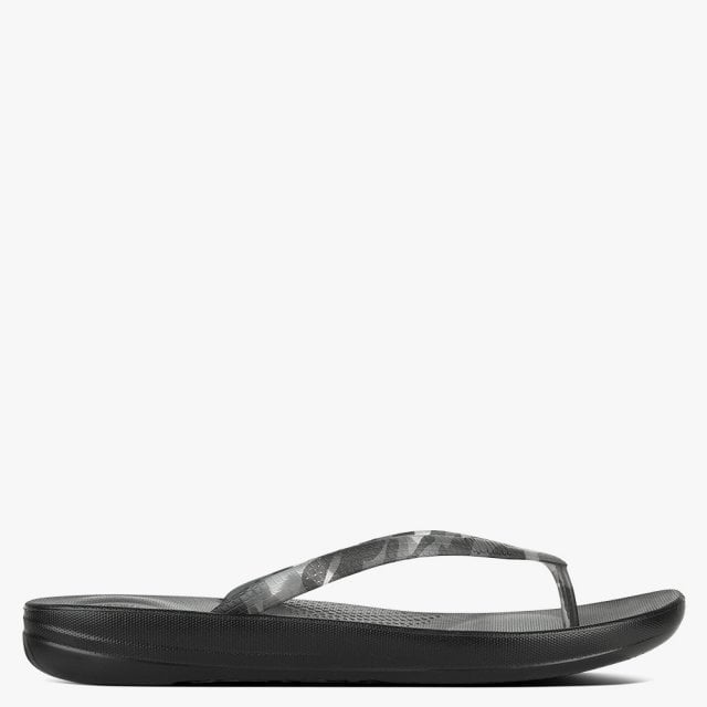 693077da58b60 FitFlop Iqushion Black Camo Tortoiseshell Toe Post Flip Flops