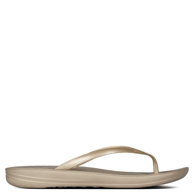 iqushion-gold-toe-post-flip-flop