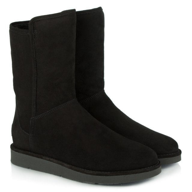 UGG Luxe Abree Nero Suede Short Boot