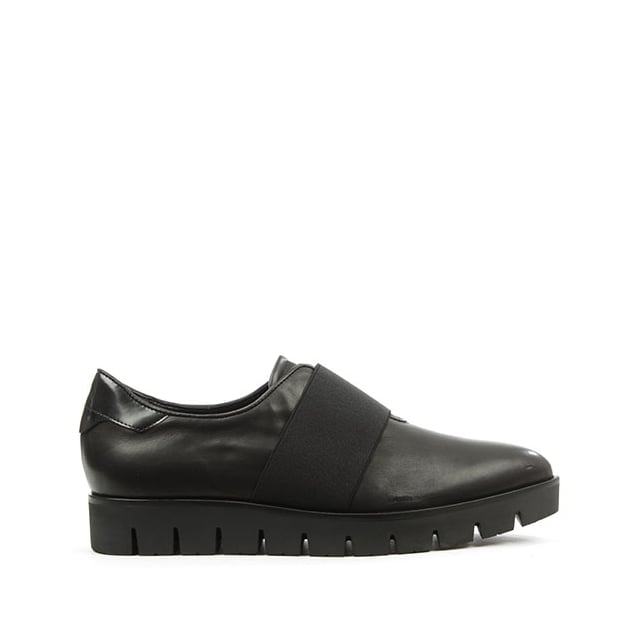 Kennel & Schmenger Vamp Black Leather Pointed Toe Cleated Sole Loafer