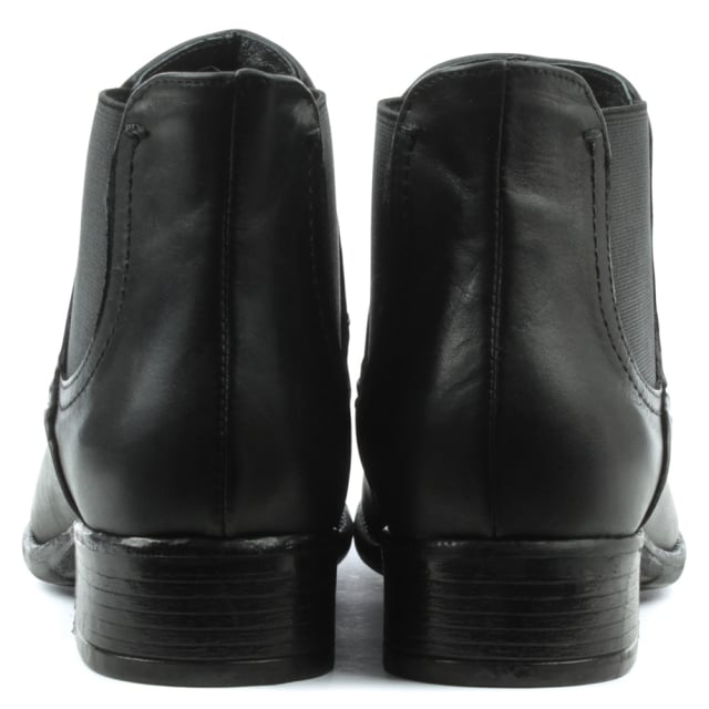 Manas Class Black Leather Chelsea Boot