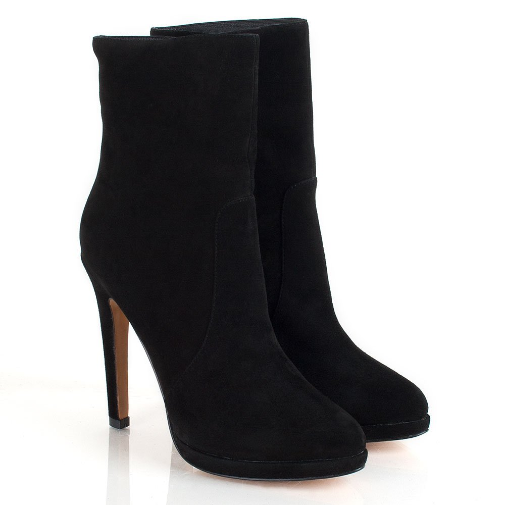 Buy Women's High Heel Boots Online with fashion design? Shoespie offers Cheap High heels leather Boots for Women and high heel ankle boots with lace, good quality and comfortable. Add to your favorites $ USD € EUR £ GBP ¥ JPY $ CAD $ AUD ₣ CHF $ HKD p.