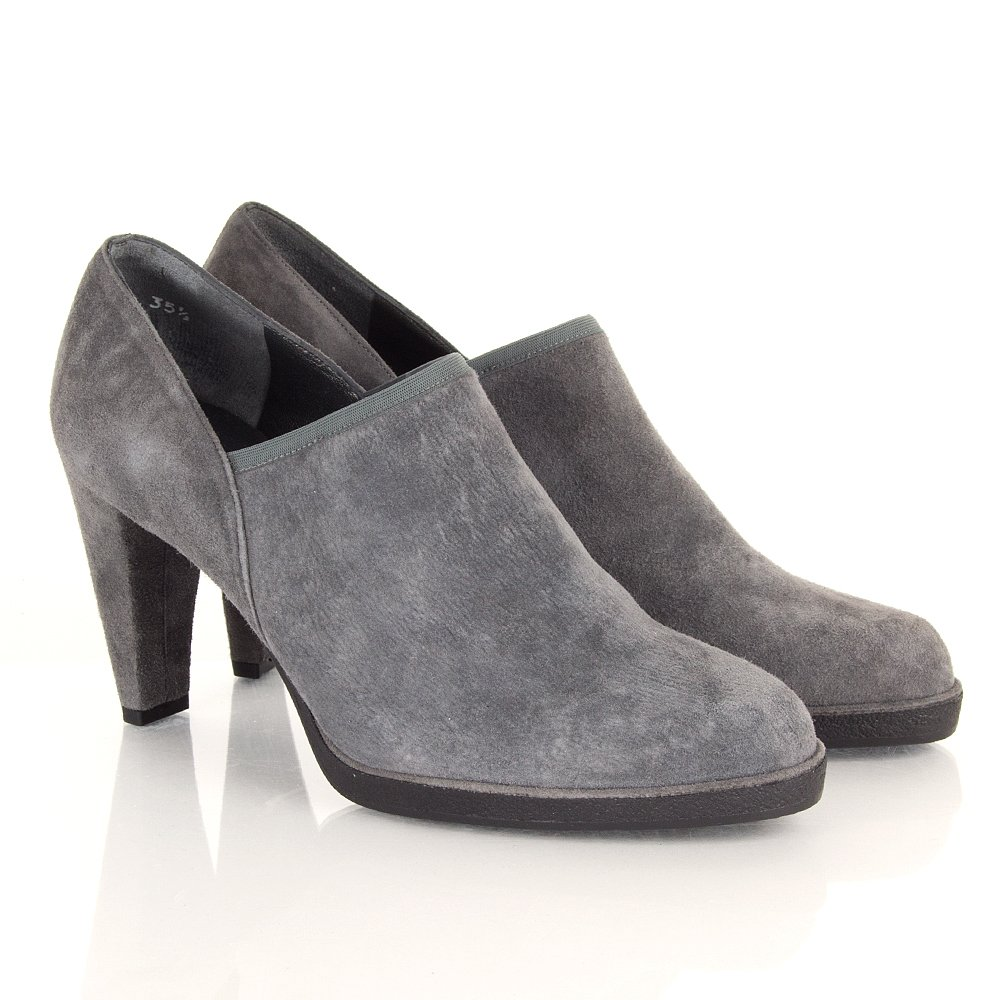 Simple Vince Vince Clay Women Suede Gray Chukka Boot Boots