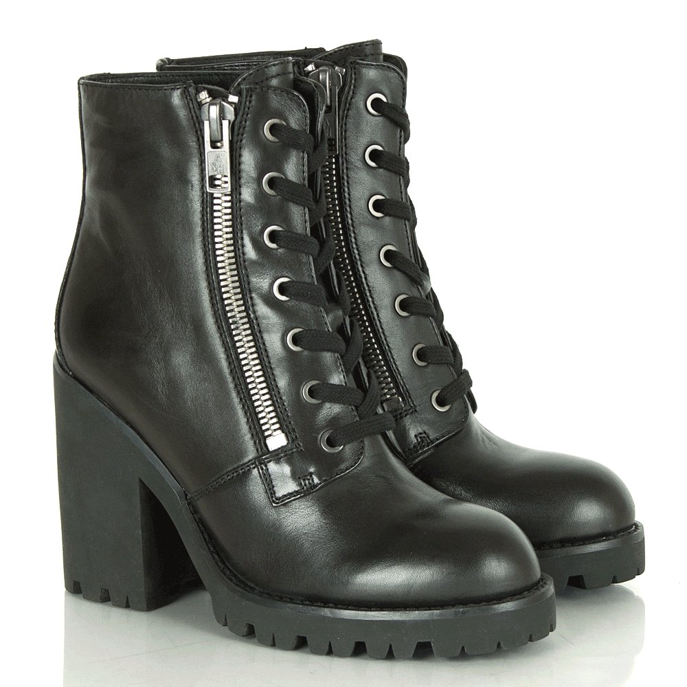 Ash poker boots