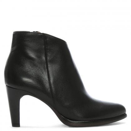 Savary Black Leather Pointed Ankle Boots