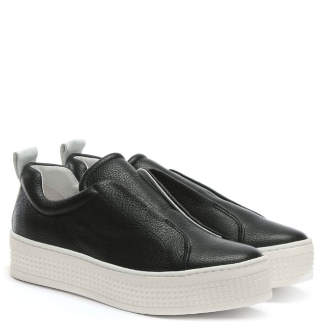 black laceless pumps