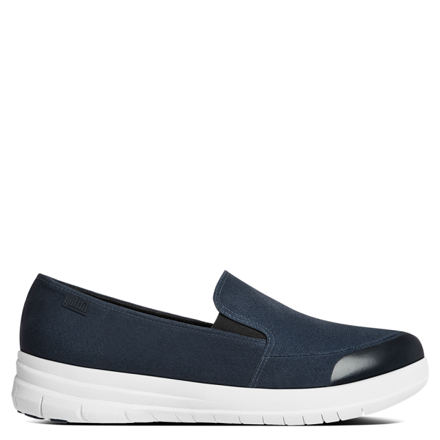 Sporty Navy Pop Skate Pump