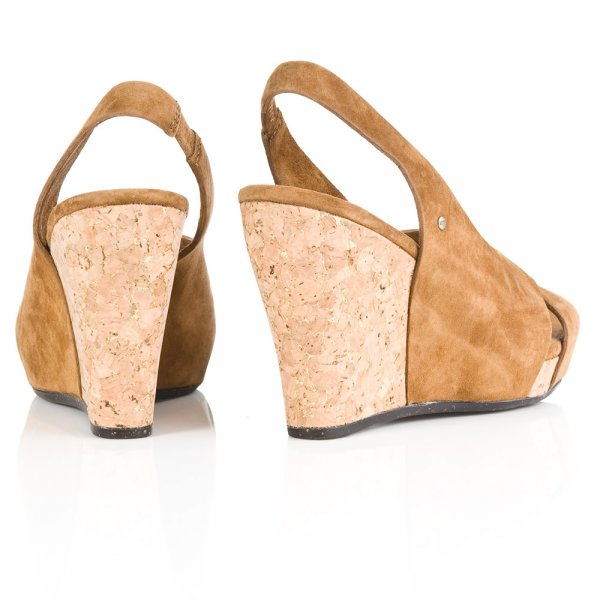 27f608b14e8 Chestnut Hazel Women  039 s Wedge Sandal