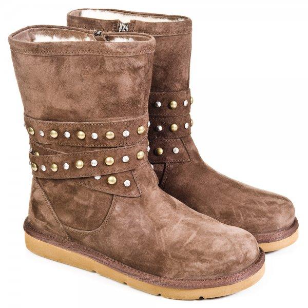 5b062d87bb25 chocolate ugg boots