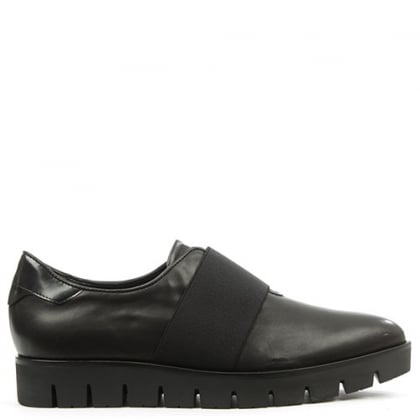Vamp Black Leather Pointed Toe Cleated Sole Loafer