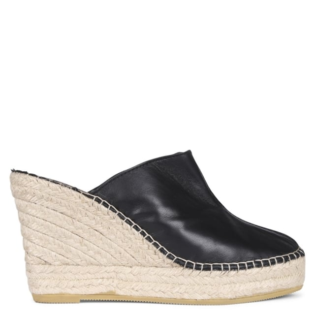 Vidorreta Vitex Black Leather Closed Toe Wedge Mules