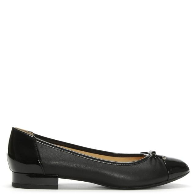 Wistrey Black Leather Ballerina Pumps