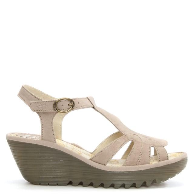 yini-concrete-leather-t-bar-wedge-sandal